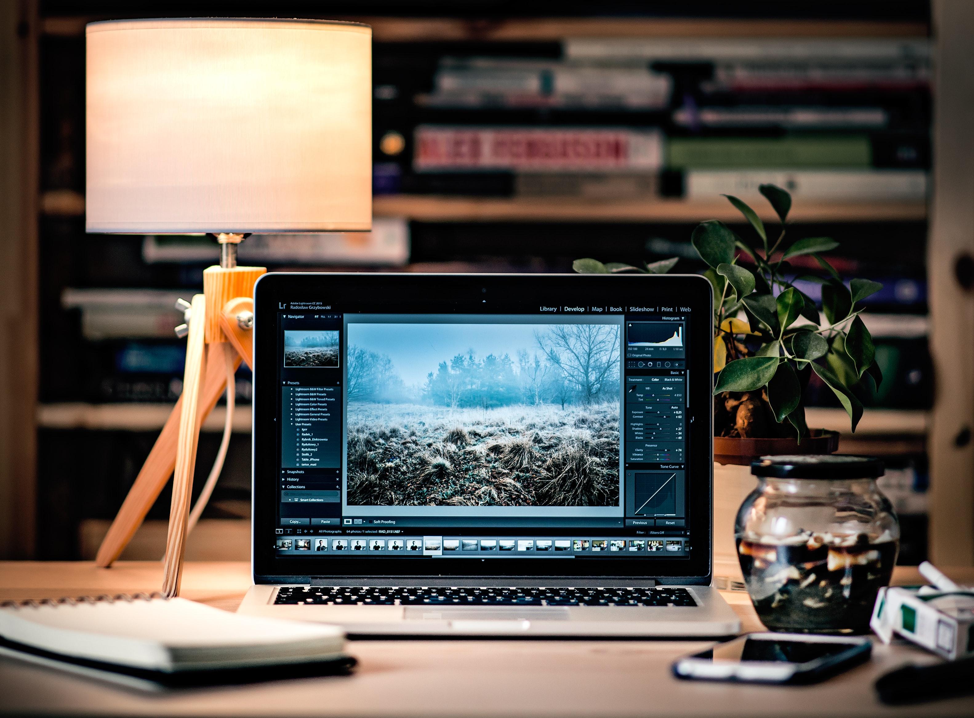 Akselerasi Teknologi Informasi HD